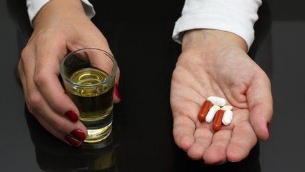 Alkohol plus leki – niebezpieczna mieszanka